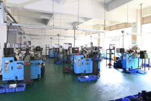 Numerous centerless grinding machines assure a monthly capacity of 30 million shafts.